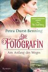 Vergrößerte Darstellung Cover: Die Fotografin - Am Anfang des Weges. Externe Website (neues Fenster)
